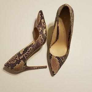 Boston Proper Snakeskin Print Stilettos EUC Size10